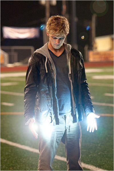 Alex Pettyfer as Jason grace.