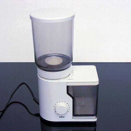 25+ best ideas about Braun coffee grinder on Pinterest Dieter rams, Minimal radio and Free ...