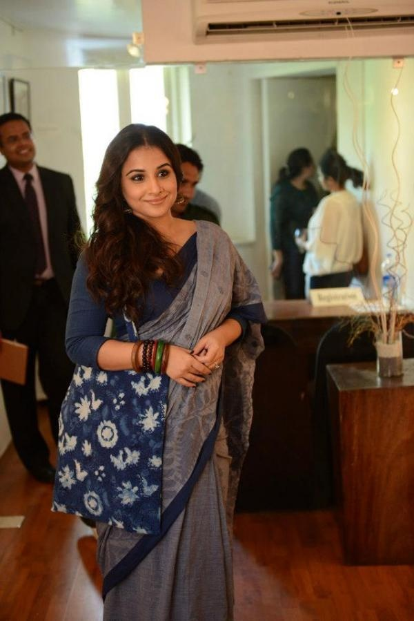 Vidya Balan - elegant saree with 3/4 blouse and jhumkas.