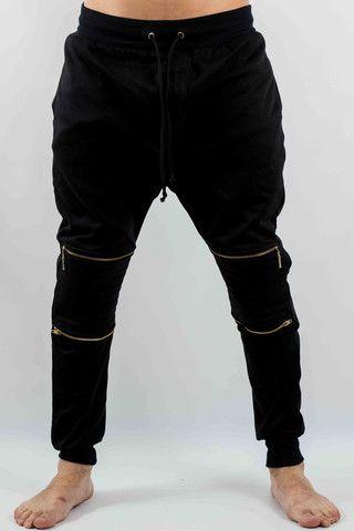 Hombre – www.urbanwear.co Jogger LMZ -Joggers @diego08gomez - Model @gallegoedison - Photographer