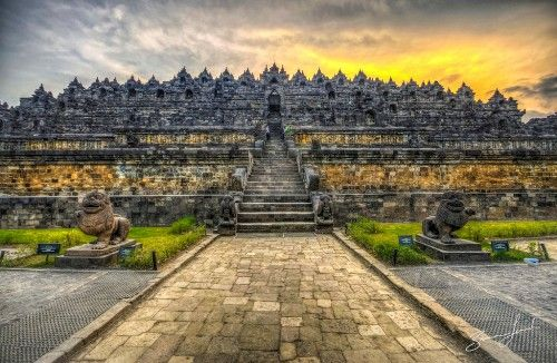 Gambar dari Candi Borobudur yang ada di Kaupaten Magelang, Jawa Tengah. Selngkapnya di - http://panwis.com/jawa-tengah/wisata-candi-borobudur/