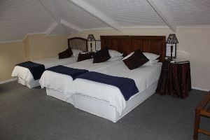 Paarl Bed and Breakfasts, Rodeberg Lodge offers a stay in 1899 National Monument in historic Paarl which was competently revamped and transformed in 1991 into a Three Star Guest house at Rodeberg Lodge.