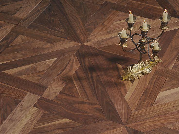 Majestic wood floor. Trianon pattern mosaic flooring. Parchet artistic alcătuit din panouri de lemn masiv. Eleganță maximă. www.woodcore.ro