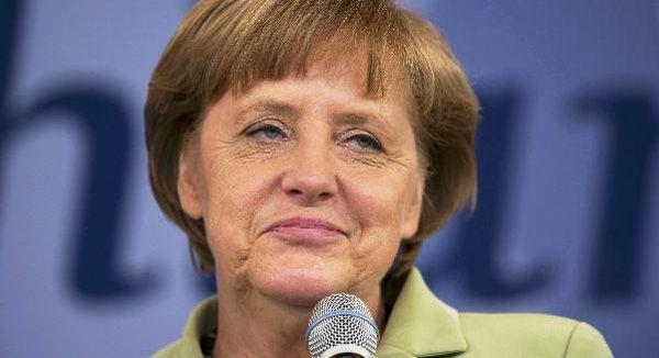 앙겔라 메르켈 독일 총리가 2년 연속 세계에서 가장 영향력있는 여성 인물 1위에 올랐습니다.