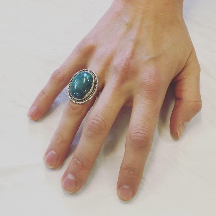 Fantastisk ring med et lækkert udtryk.