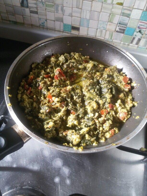 Condimento per pasta ( fusilli ) broccoli,  cime  di rapa,  pomodori secchi,  Aromatizzati alle erbe di Provenza.