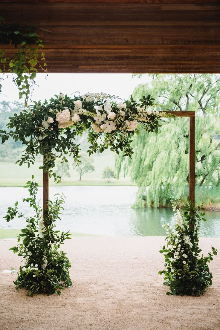 Arch & Florals by Southern Highlands based designer Emma Blake Floral Photography by Milton Gan