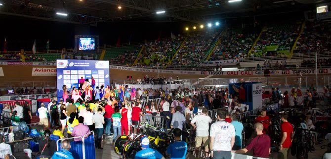 Caleños recibieron con alegría el Campeonato Mundial de Ciclismo de Pista