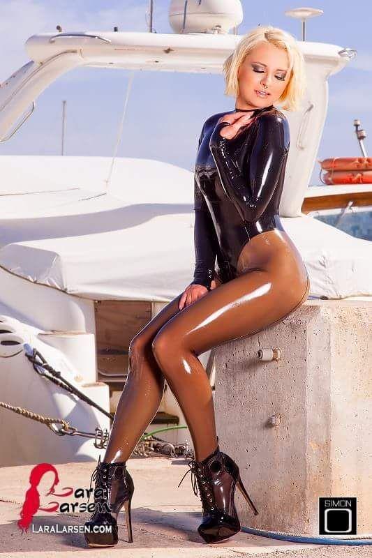 Ruby Leila Fan Of Latex Models