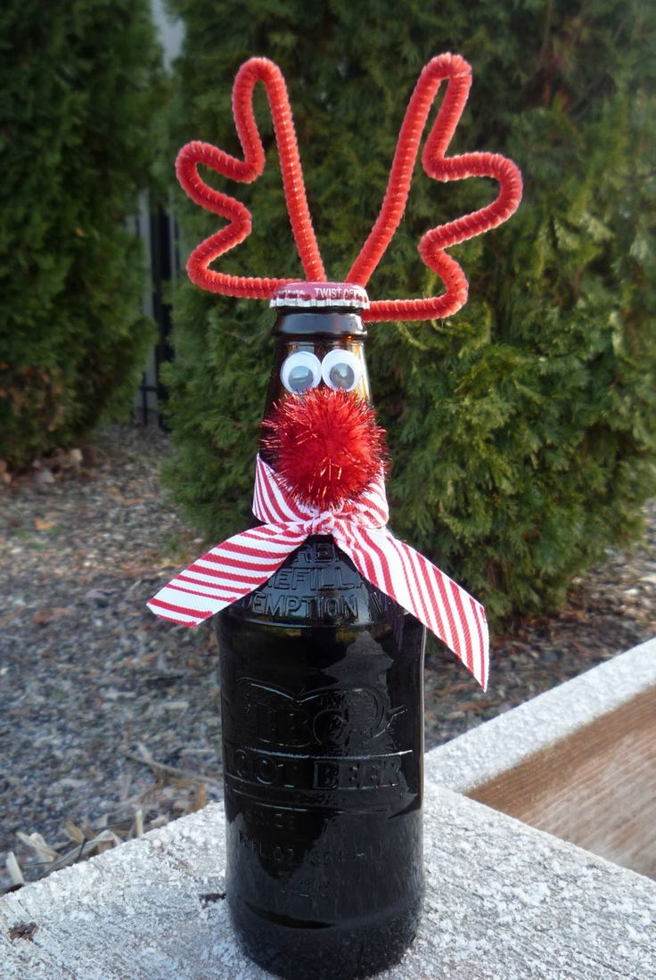 Ruldoph the Red Nosed Root Beer tutorial - but this would be so cute to decorate a wine bottle for a gift!