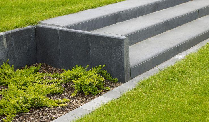 Tuin niveauverschil stone style tuin pinterest for Betonnen vijver aanleggen