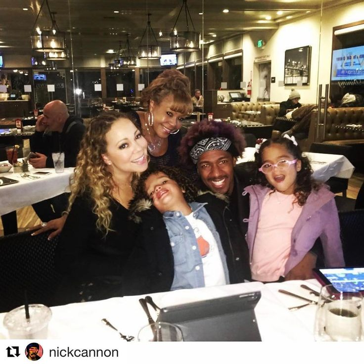 #Repost @nickcannon with @repostapp ・・・ Family Dinner!! All is well! Live! Love! Laugh!  @mariahcarey #Ncredible