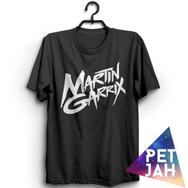 Ayo beli kode: Martin Garrix Logo Black Harga: Rp. 110.000 W.A, SMS, Tele: 0896-1679-960  Cuman orang keren dan gaul yang pake T-Shirt keren ini. Kebayang kan kalo kalian pake baju ini. Jangn lupa diorder yaa. Bahan: -Cotton combed 30s 100% dijamin nyaman dan menyerap keringat -Sablon DTG kuat, awet dan nyaman  pengiriman dari Jakarta  #instaparty #jualbaju #kaosdistro #EDM #EDMmerch #jualkaosdistro #grosirbaju #distributorbajudistro #jualkaosdj #jualbajudj #jualkaosedm #martingarrixindo…