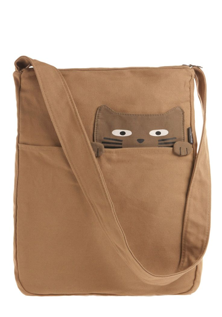 HAHAHA - wee kitty is peeking out of the bag pocket - how adorable!