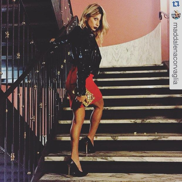 #dukas pump DEVILLE ZEBRA NOIR worn by the beautiful @maddalenacorvaglia #maddalenacorvaglia #showroombutturini #devilledukas #dukas @dukasc