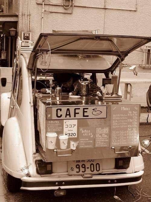 2 CV Citroën, café ambulant - source Luis Cesar Retro AUTO