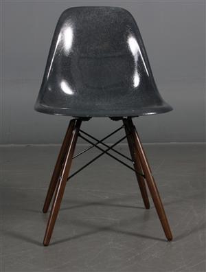 Lauritz.com - Moderne borde og stole - Charles Eames: Skal stol, model DSW grå. - DK, Esbjerg, Oddesundvej