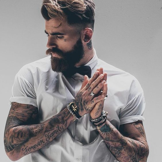 Tattoo versus Beard.  #chamber of crafters #grooming #barbershop #barber #menscare #skin care #beauty #keep prime #crafter #inspiration #new products #japanese #made in Japan #vintage #retro #pin up #men fashion http://chamberofcrafters.com/