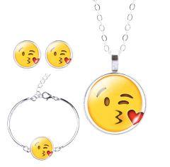 Öpücük Emoji Bileklik ( Bangle ), Küpe ve Kolye Seti