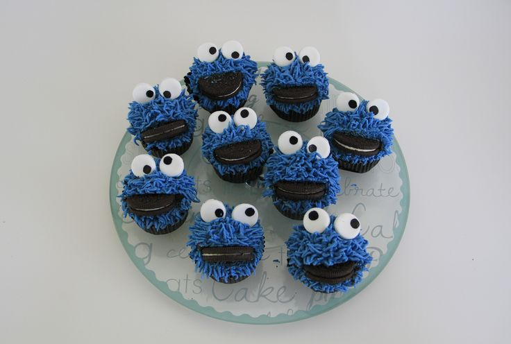 Cookie monster cupcakes! mmmmh