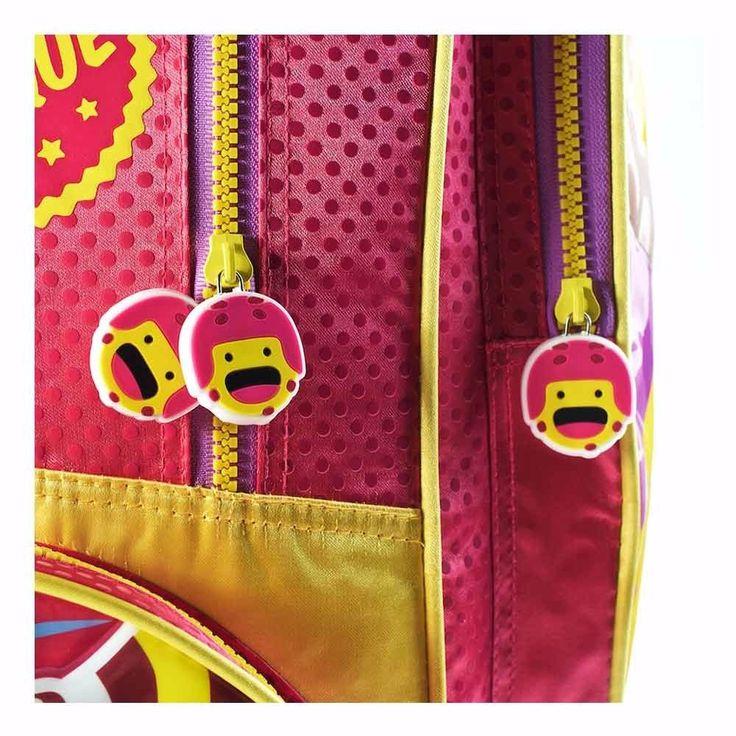 Nueva #Mochila con Carro Grande #SoyLuna #Premium Licencia Oficial Disney.  Tamaño: 17 pulgadas. Medidas: 45 x 32 x 19 cm. Amplio compartimiento principal. Compartimiento secundario en el frente. Dos bolsillos lateras con cierres.  Tiras de hombros acolchonadas, para mayor confort. Tira cierres con apliques. Carro reforzado. Detalles de calidad. Ruedas dobles. Ideal para la primaria.  Importador oficial: #Wabro  #CosasDeChicos #SoyLuna #Disney #Karol #Sevilla