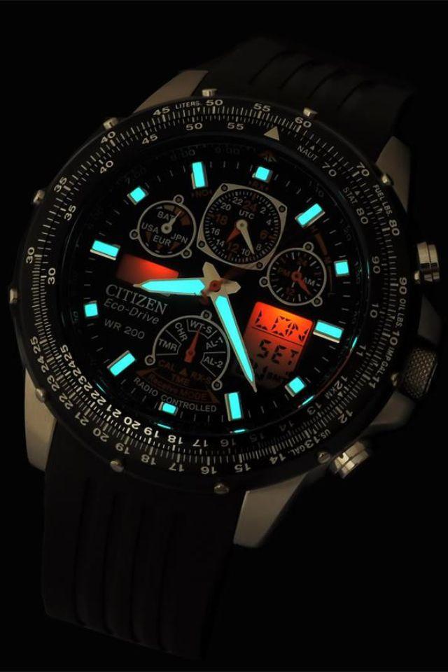Relógio com ponteiros de neon