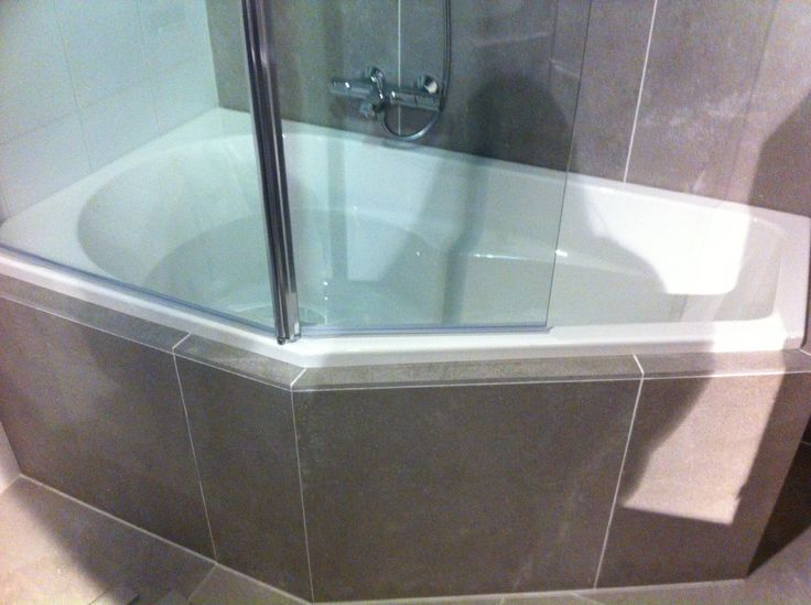 badkuip+ douche!!
