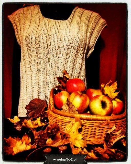 Ciepła wełniana kamizelka w kolorze beżowym, doskonała na każdą okazję ☺   #handmade #rękodzieło #wełna #kamizelka #jesień   http://wełna.blog.onet.pl