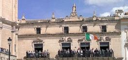 Hoy se iza la Bandera de Irlanda en Lorca #sanpatricio
