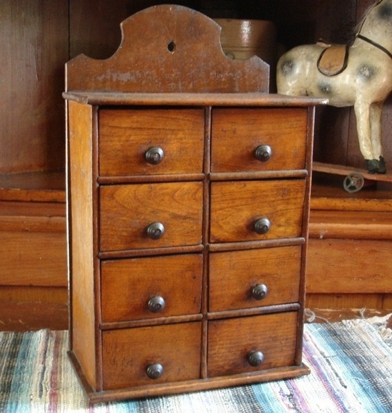 I love small drawers. - 134 Best Antique Spice Boxes Images On Pinterest Prim Decor