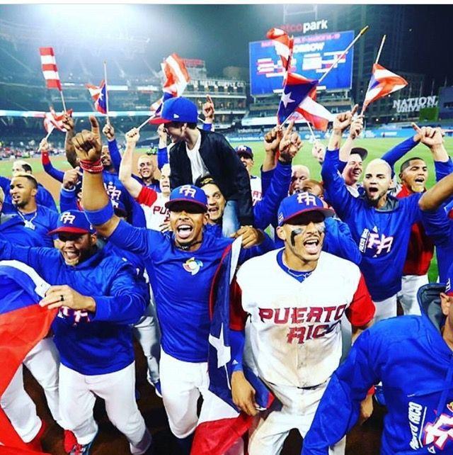 Demasiado orgullo en una foto. World Baseball Classic 2017 Team Puerto Rico, mis rubitos. Yo soy BORICUA pa' que tu lo sepas.
