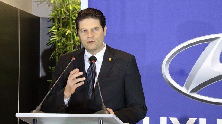 El presidente municipal inauguró la primera Agencia de Autos Hyundai en el estado de Michoacán; destaca a Morelia como una de las mejores ciudades en comunicación con el centro del ...