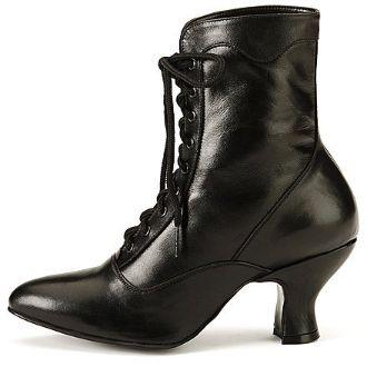 Adorable granny boots...I feel a trend