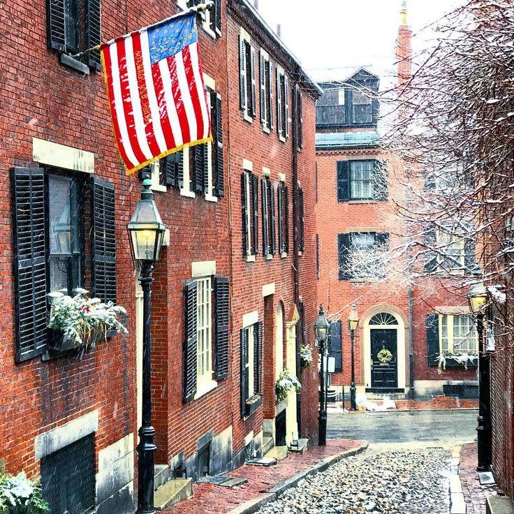 Acorn street beacon hill boston massachusetts robin