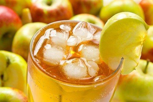 Яблочно-лимонный освежающий коктейль