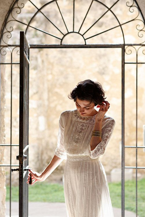 Edwardian inspired vintage lookbook via Dalena Vintage.