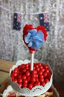 Australia Day table decoration using Little Tee Tee trims