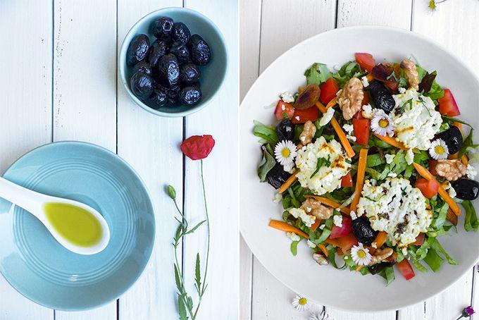 Une jolie salade crétoise aux multiples odeurs et couleurs qui nous transportent sous le soleil méditerranéen, pour un repas léger, sain et savoureux.