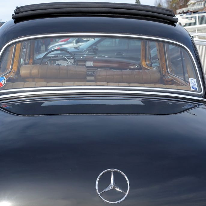 Mercedes-Benz 220 S #mercedesbenz #mercedesponton #cars #biler #carspotting