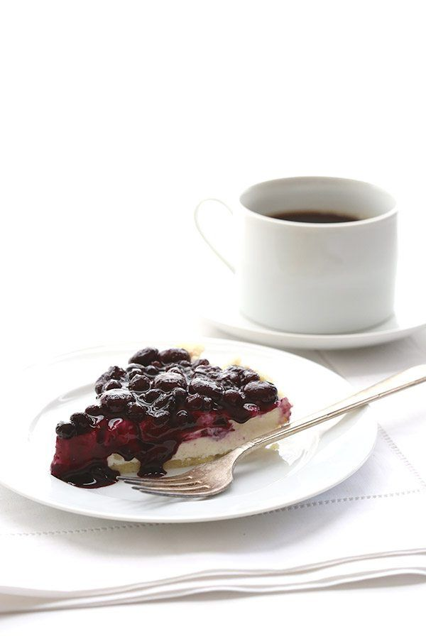 Best Low Carb Blueberry Cheesecake Pie Recipe - it's easy and no baking required!