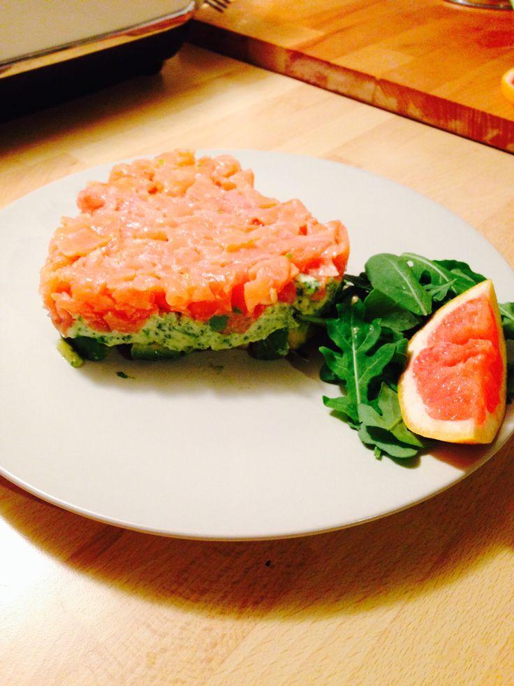 Tortino a strati: avocado e lime; robiola e rucola; tartare di salmone affumicato e pompelmo rosa!