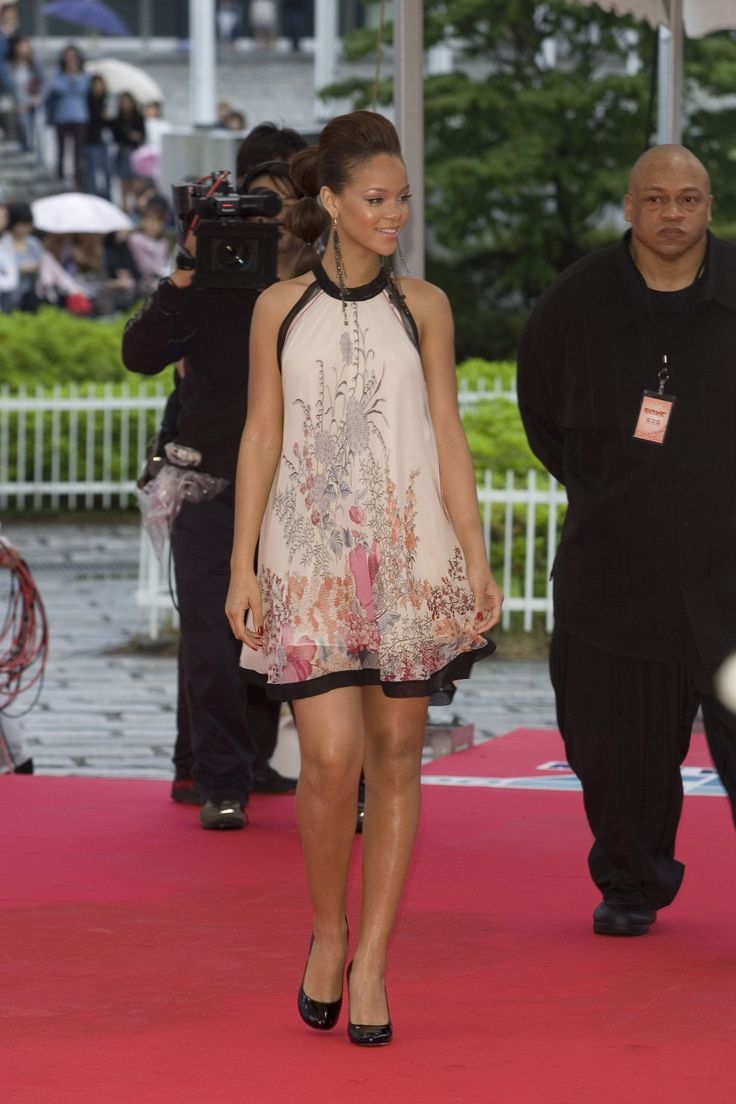 The Fug Girls: Rihanna's 20 Best Red Carpet Looks Through ...