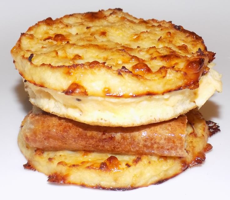 Healthy Egg McMuffin  http://low.calorie.recipes  235 Calories & 7 Carbs