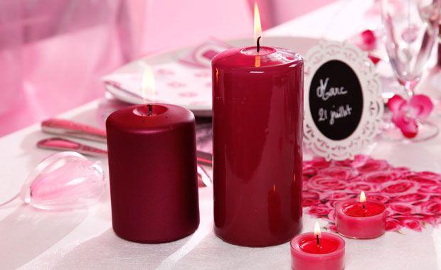 Zoé Confetti - Table romantique : Le printemps arrive, et rien de tel que quelques fleurs pour voir la vie en rose ! Et pour rester dans la tendance, Zoé joue la carte du motif cupcakes que l'on peut décliner jusque dans les assiettes !