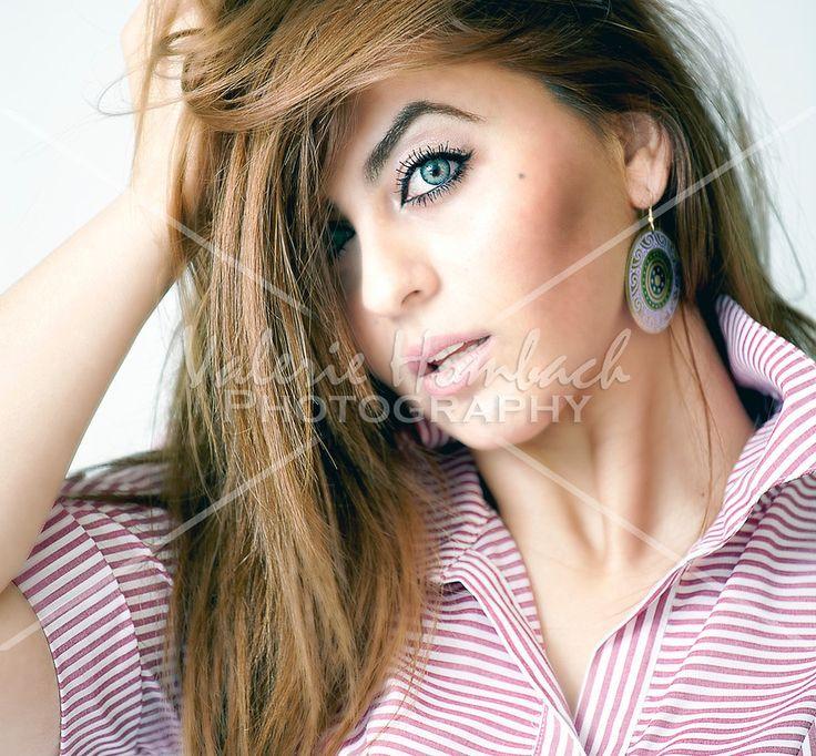 Beautiful head shot / portrait!