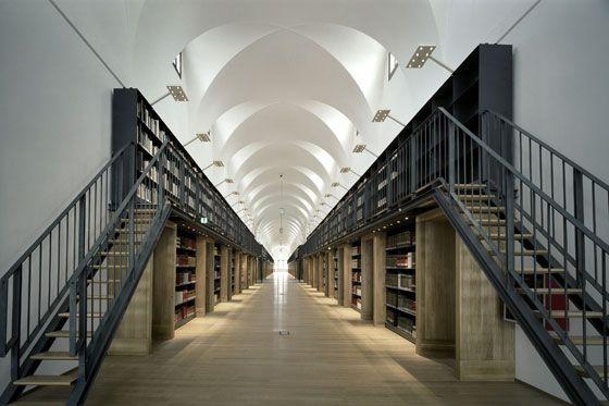 Tempel des Wissens: Bibliotheksarchitektur zwischen Antike und digitalem Zeitalter