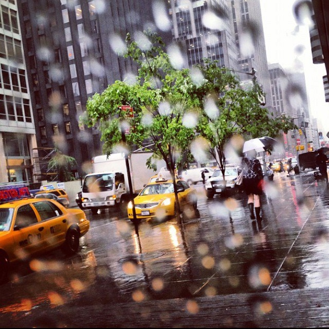 "April's New York ""rainy day"" pic  Beautiful ❤"