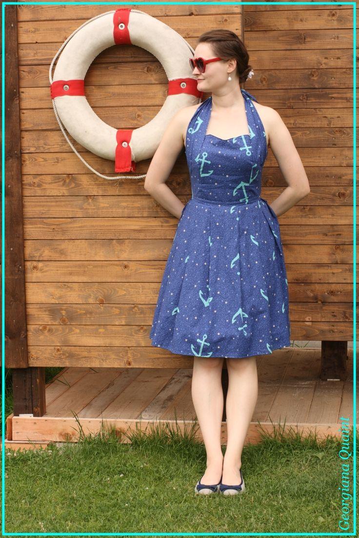 Georgiana Quaint   pin-up šaty v námořnickém stylu   Fler   fler.cz   rockabilly šaty   Mighty sounds   móda   1950s dress   eshop šaty   modré s kotvou   šaty za krk   šaty na míru