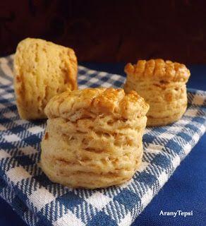 AranyTepsi: Tepertős-krumplis hajtogatott pogácsa