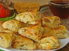 Tek tek sarmadan kolayca yapacağınız pratik ve lezzetli bir börek tarifi...